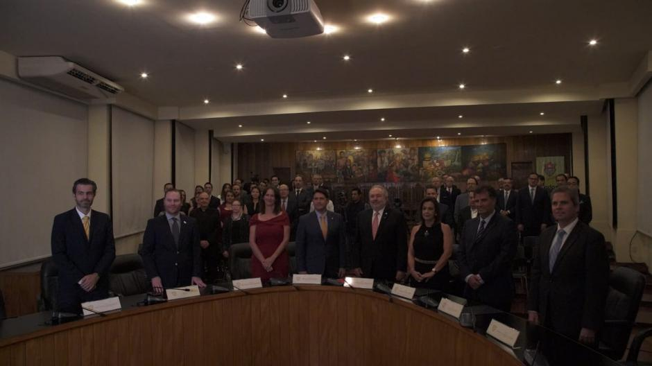"""La entrega se realizó en la Sala de Consejo """"Miguel Ángel Asturias"""" del Palacio Municipal. (Foto: Melissa Menéndez/Soy502)"""