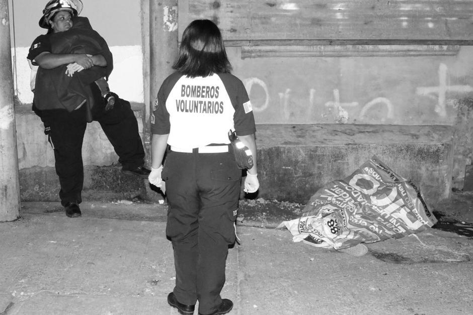 Los Bomberos Voluntarios atendieron al menor que sobrevivió al ataque. (Foto: CBV)