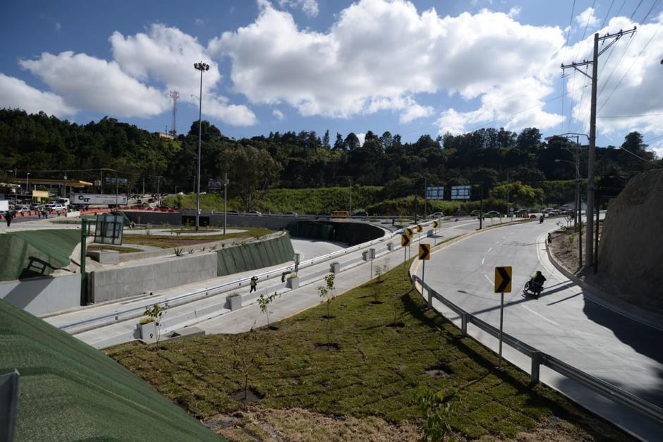 Este viaducto es considerado una de las obras más grandes realizadas por la comuna capitalina. (Foto: Wilder López/Soy502)
