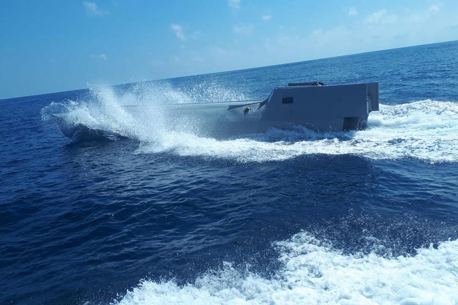 El Ejército de Guatemala localizó en aguas del Pacífico un sumergible con posible droga en su interior. (Foto: Ejército de Guatemala)