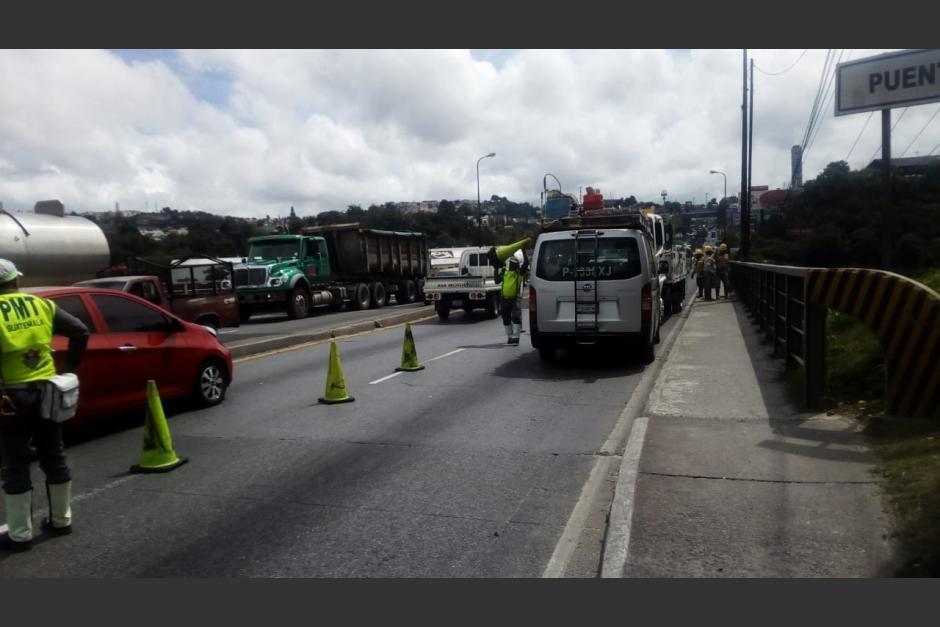 El carril central que conduce hacia carretera al Atlántico se encuentra bloqueado (Foto: captura de pantalla)