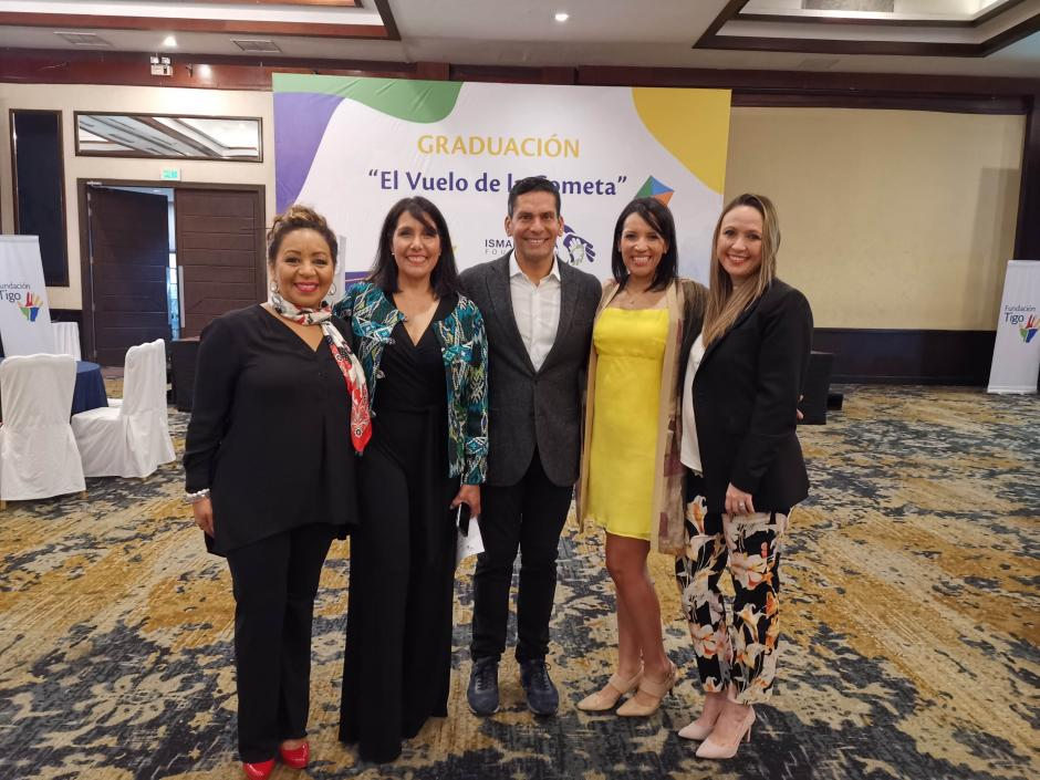 Representantes de Fundación Tigo y Fundación Ismael Cala (Foto: Fernando Pinetta)