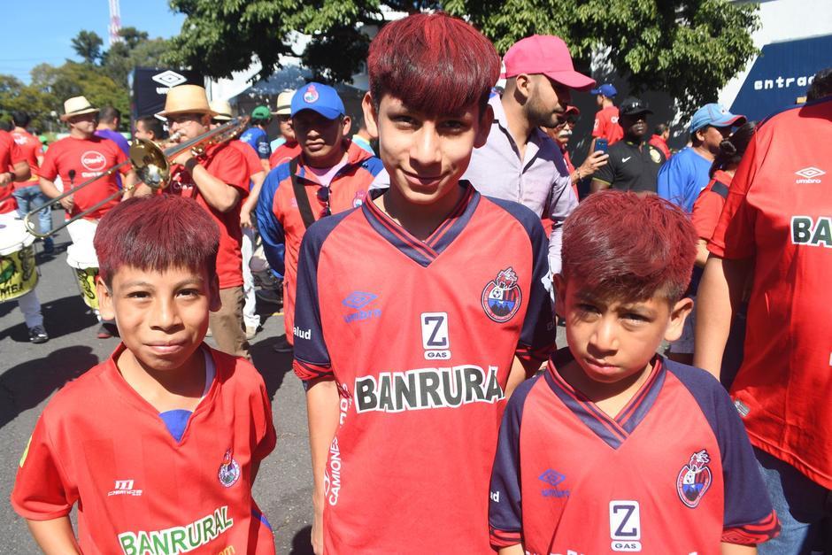 Más de 16 mil aficionados ingresan al Estadio Nacional. (Foto: Rudy Martínez/Soy502)