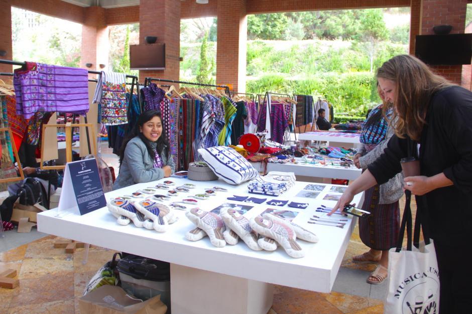 Los visitantes de otros países admiraron y se sorprendieron con la creatividad guatemalteca. (Foto: Fredy Hernández/Soy502)