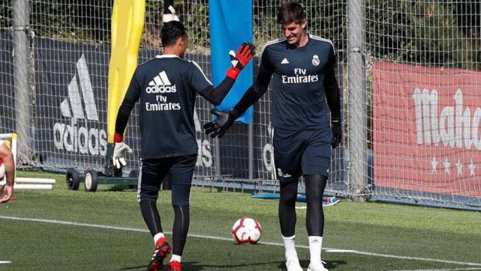 Courtois se lesiona y Keylor vuelve a la titularidad en el Madrid