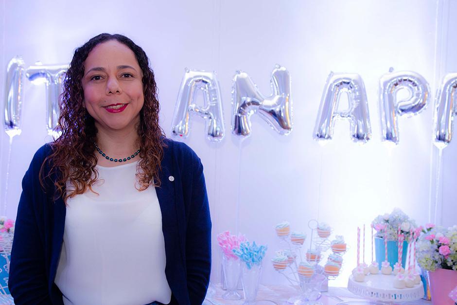"""""""Natele desea apoyar a las mujeres en esta bella etapa con valiosa información de forma interactiva"""", comentó Cecilia Morales, gerente de medios digitales. (Foto: Victor Xiloj/Soy502)"""