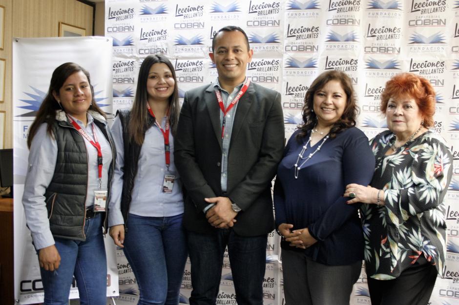 Representantes de Agromsa y Fundación Miguel Torrebiarte celebraron la firma del convenio. (Foto: cortesía Grupo Progreso)