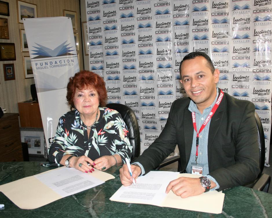 Agromsa y Fundación Miguel Torrebiare S. firmaron un convenio para trabajar en favor de la niñez de Alta Verapaz. (Foto: cortesía Grupo Progreso)