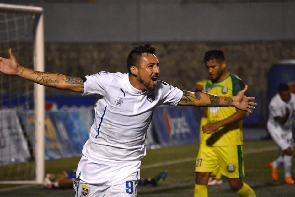 El mexicano Abraham Carreño el goleador mexicano de Comunicaciones. (Foto: Archivo/Soy502)