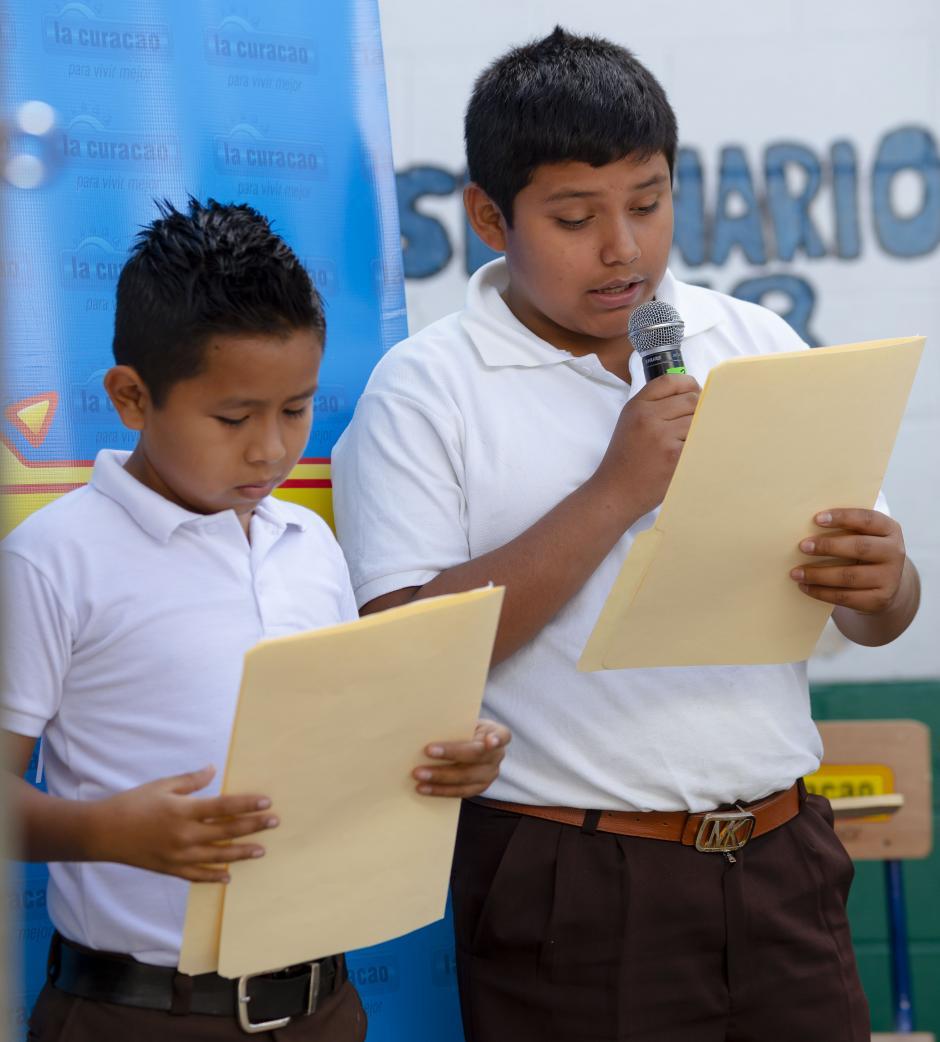 El acto fue dirigido por los alumnos de la Escuela Miguel Vásquez. (Foto: George Rojas/Soy502)