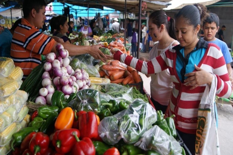La canasta básica tuvo un incremento derivado del alza en el precio de productos como el tomate. (Foto: Archivo/Soy502)