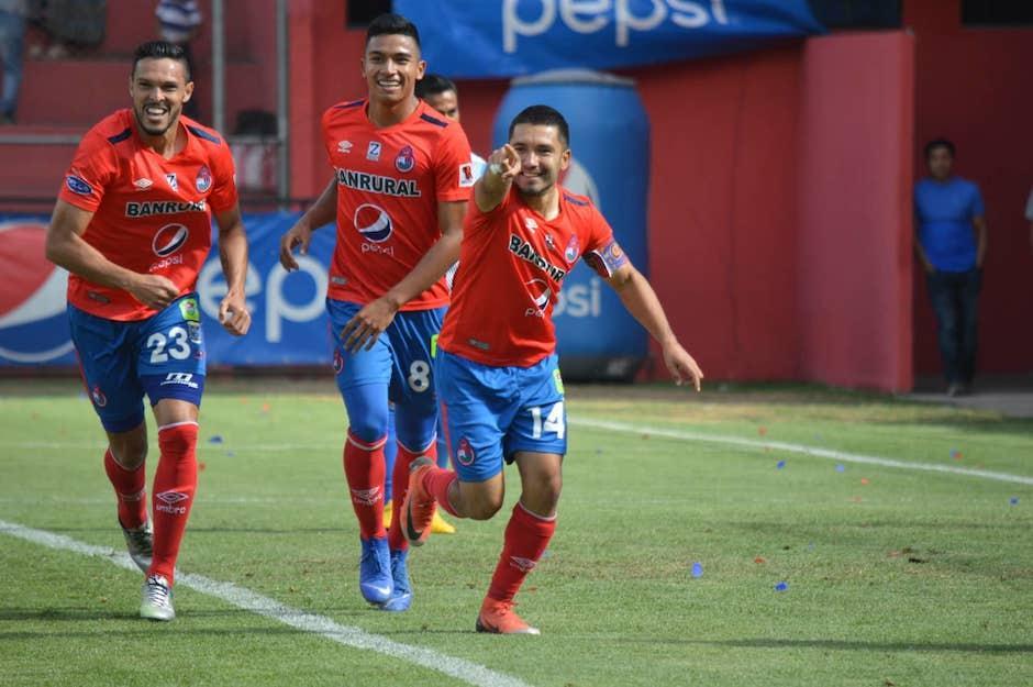 Jaime Alas anotó el segundo gol de los rojos. (Foto: Rudy Martínez/Soy502)