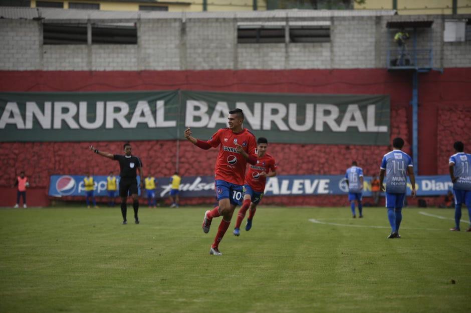 Othoniel Arce fue el anotador del tercer gol. (Foto: Wilder López/Soy502)