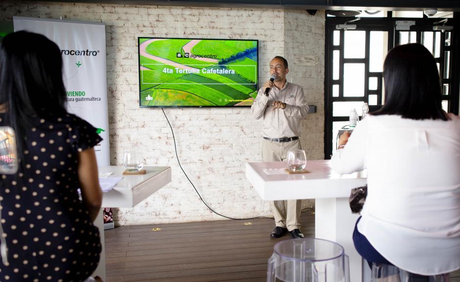 Alejandro Huard, director comercial de Agrocentro, contó los retos de los caficultores. (Foto: George Rojas/Soy502)