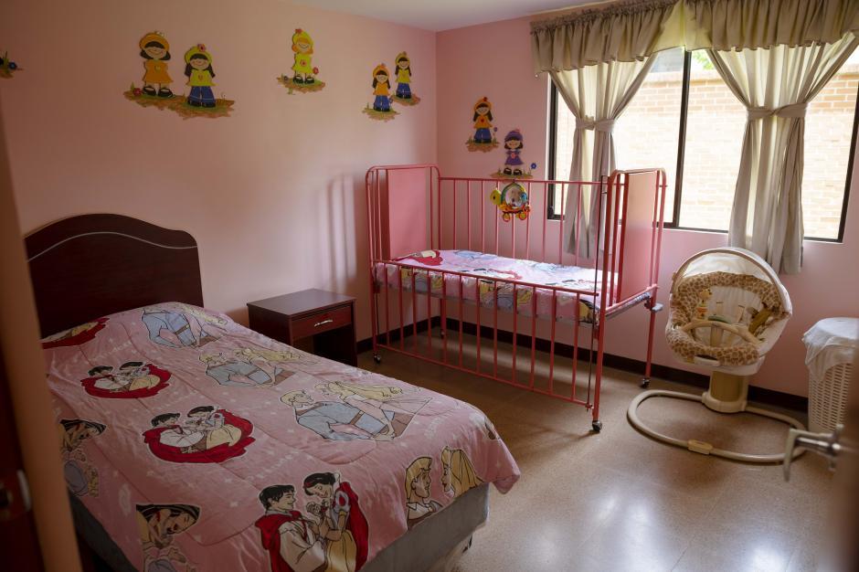 Son 24 habitaciones donde los familiares pueden descansar, mientras sus hijos reciben tratamiento oncológico. (Foto: George Rojas/Soy502)