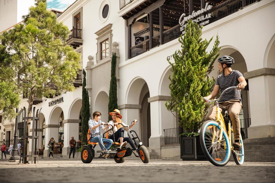 Ciudad Cayalá se ha vuelto el paseo predilecto de muchos guatemaltecos. (Foto: cortesía)