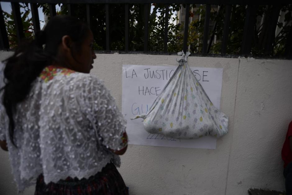 Los pobladores pedían reunirse con los magistrados de la Corte Suprema de Justicia. (Foto: Wilder López/Soy502)