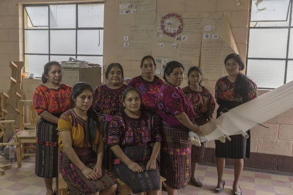 Los artesanos que realizan las piezas de Natural Art vienen de Quiché, Zacapa y Momostenango.  (Foto: Selene Mejía/Soy502)