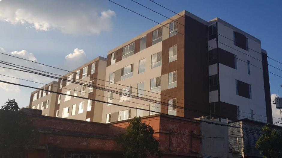 El edificio se encuentra en la zona 6. (Foto: Twitter Carlos Eduardo Tabush)