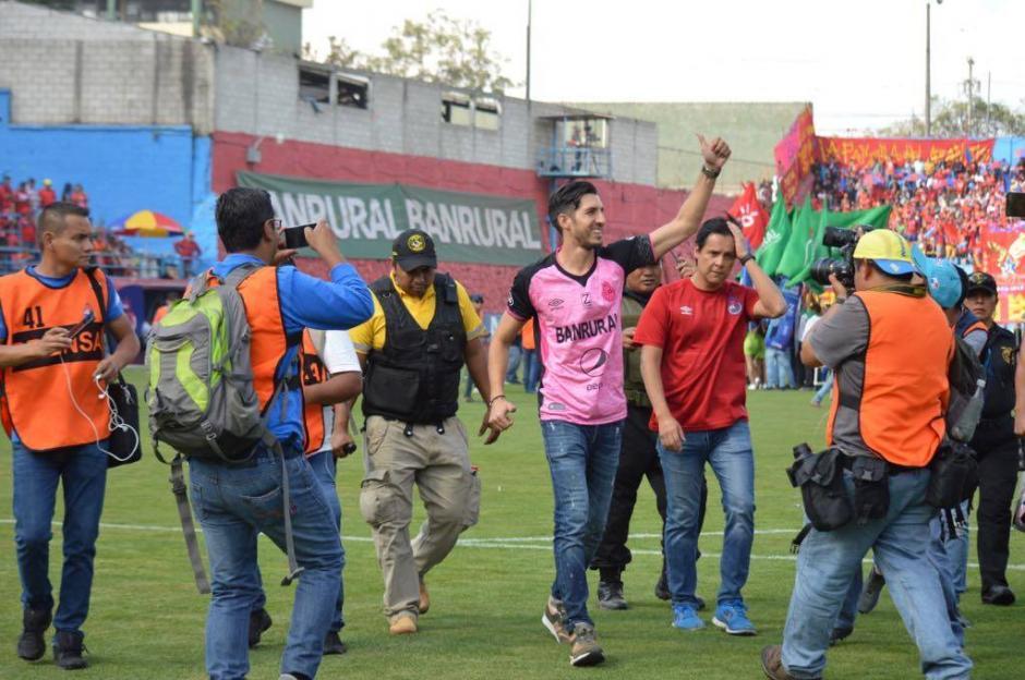 Antes de despedirse de la afición, Penedo dio una rueda de prensa. (Foto: Rudy Martínez/Soy502)