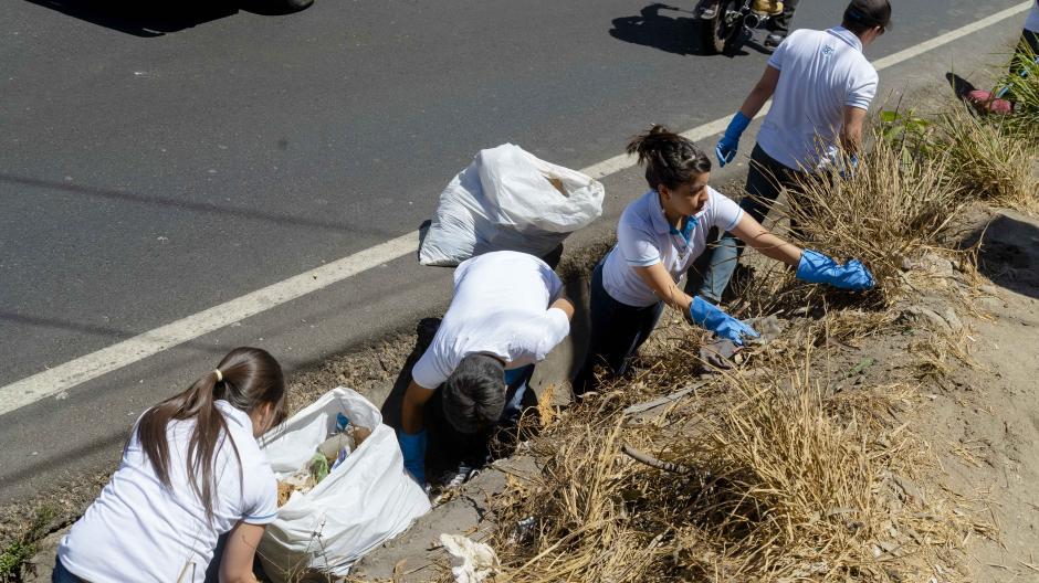 Más de 30 bolsas de balsura fueron recolectadas. (Foto: Soy502)