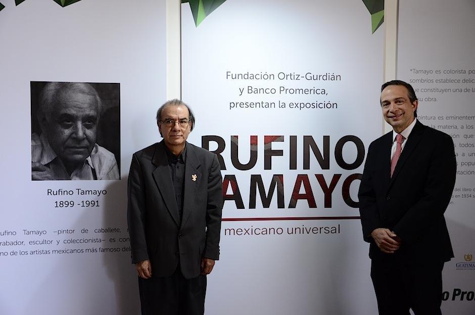 Rudy Cotton, director del Museo de Arte Moderno y Jean Paul Rigalt de Banco Promérica inauguraron la exposición (Foto: Selene Mejía/Soy502)