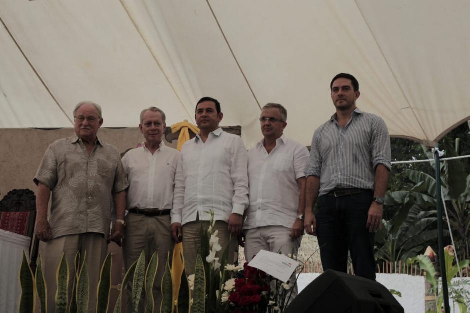 Altas autoridades del Irtra recorrieron las nuevas instalaciones junto a invitados especiales. (Foto: Victor Xiloj/Soy502