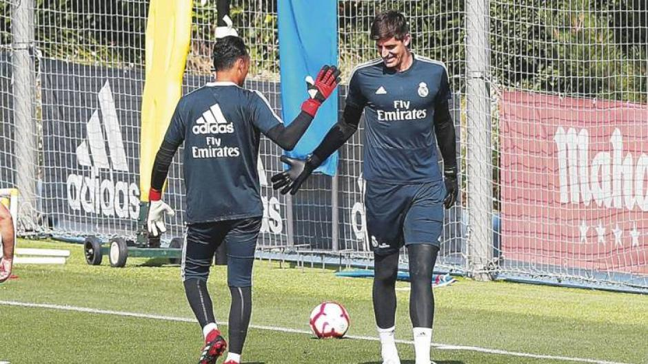 El Real Madrid confirma a Courtois y Keylor Navas analiza irse. (Foto: AFP)