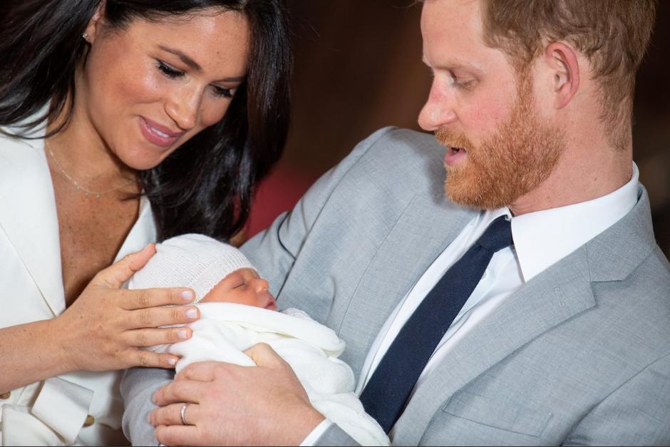El nacimiento del hijo de los duques de Sussex es seguido por muchos en el mundo. (Foto: AFP)