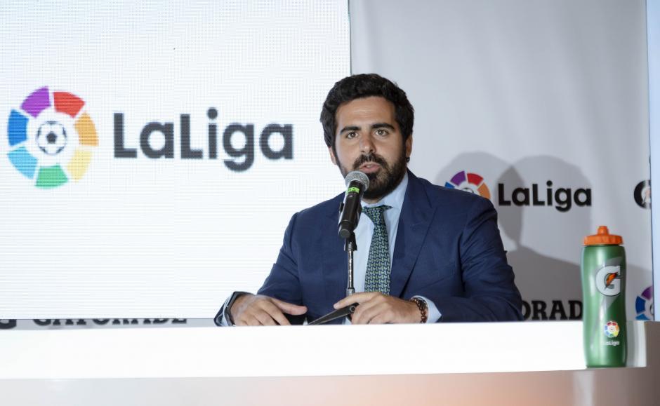 Marc Tarradas, delegado de la liga española para Centroamérica, estuvo presente en la firma. (Foto: George Rojas/Soy502)