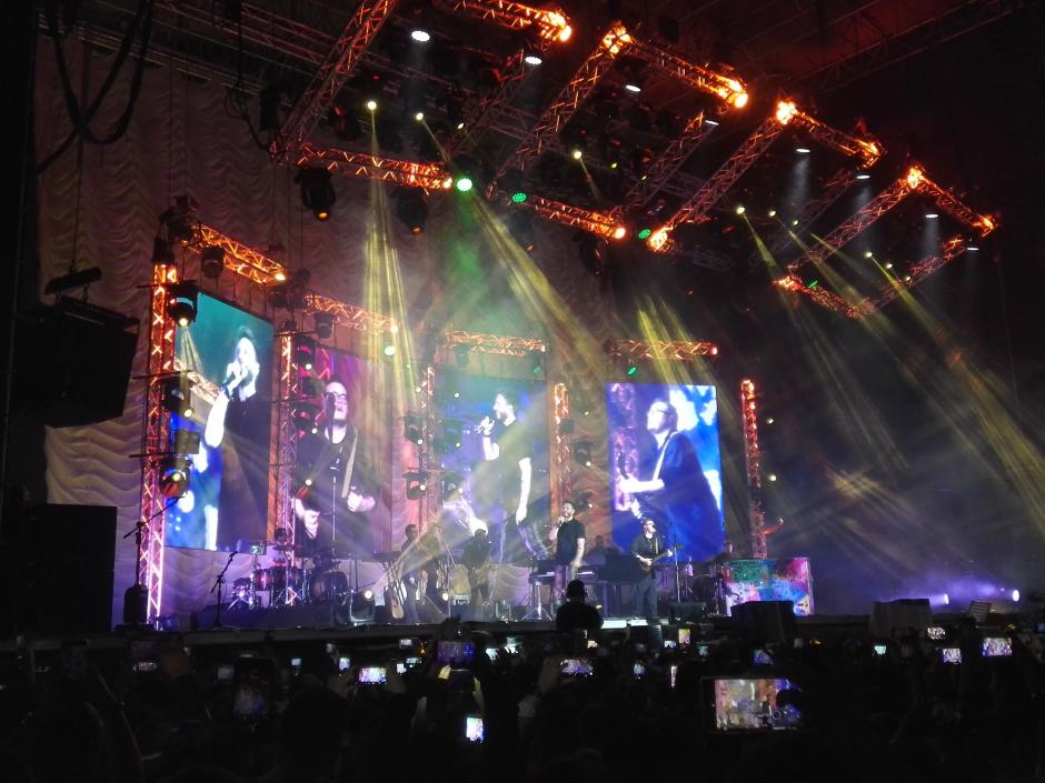 La música de Sin Bandera tocó miles de corazones enamorados. (Foto: Soy502)