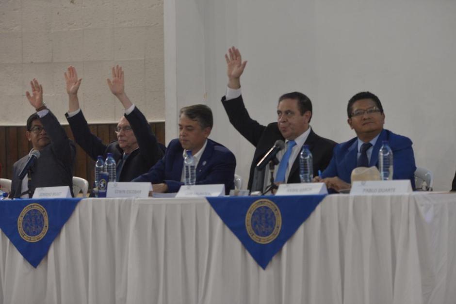 Los candidatos presidenciales respondieron con una sola palabra a temas polémicos (Foto: Jesús Alfonso/Soy502)