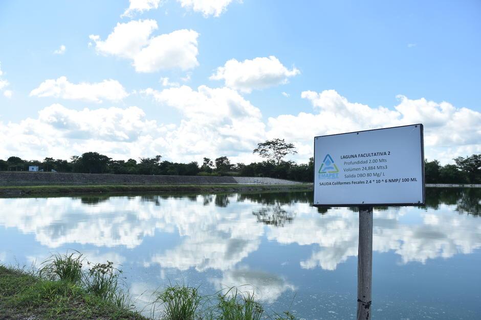 La EMAPET cuenta con la primera planta de tratamiento de aguas residuales que recoge las aguas negras de San Benito y Flores. (Foto: Fredy Hernández/Soy502)