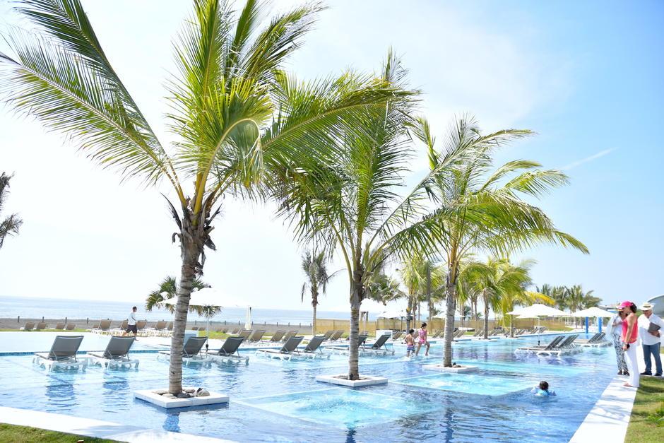 Las piscinas son su principal atractivo y que cuenta con varias facilidades para los visitantes. (Fredy Hernández/Soy502)