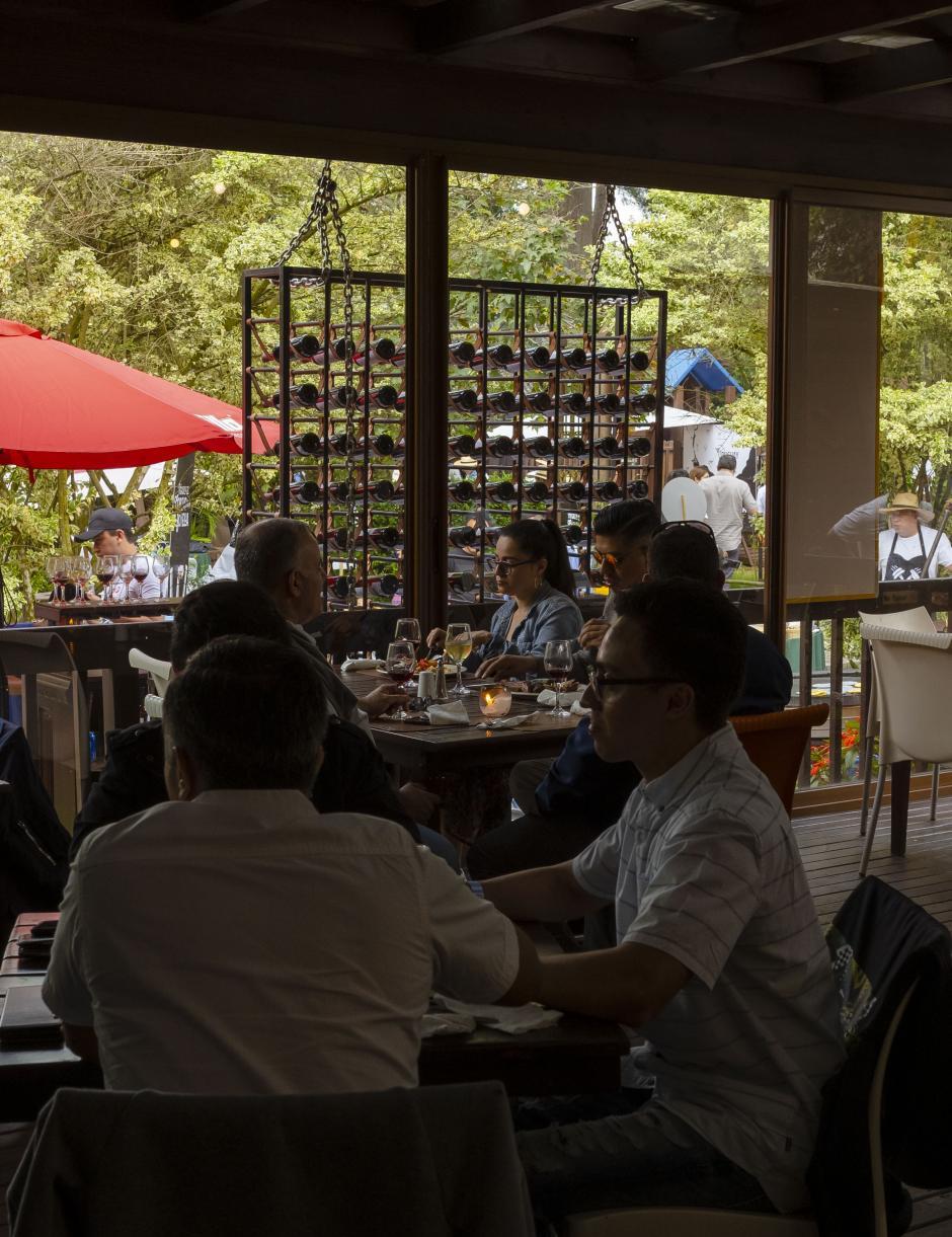 Los asistentes no solo disfrutaron de buena comida sino de un excelente ambiente. (Foto: George Rojas/Soy502)