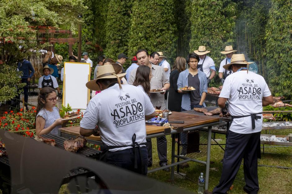 Aproximadamente 300 comensales disfrutaron de un día lleno de sabores. (Foto: George Rojas/Soy502)