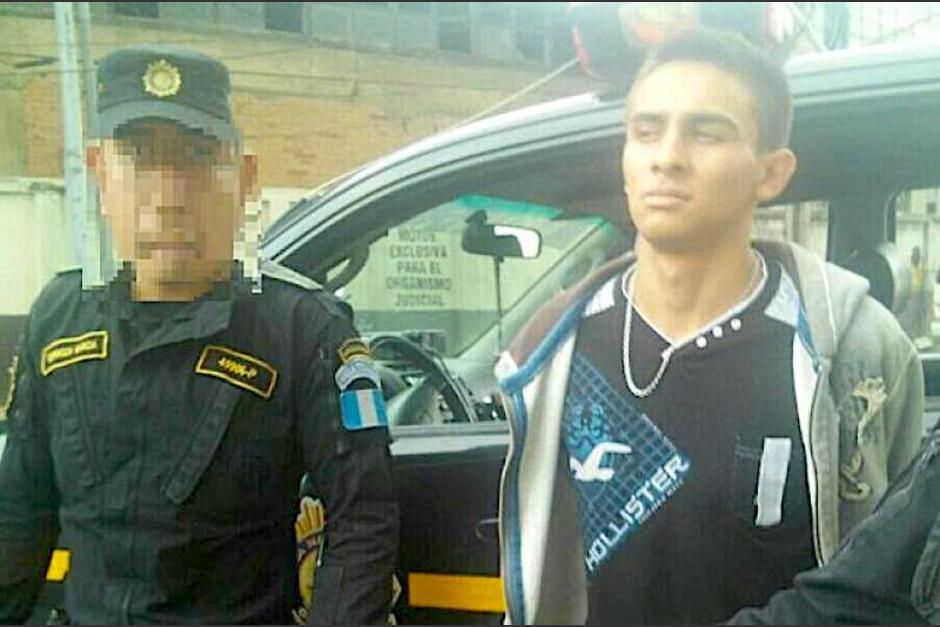 Douglas de Jesús Raxtun Monterroso fue condenado por asesinar a una cuidadora de carros en la zona 1. (Foto: Archivo/Soy502)