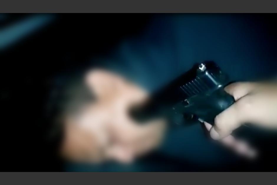 En el video que circula en redes sociales se escuchan las amenazas de los sicarios. (Foto: captura pantalla)