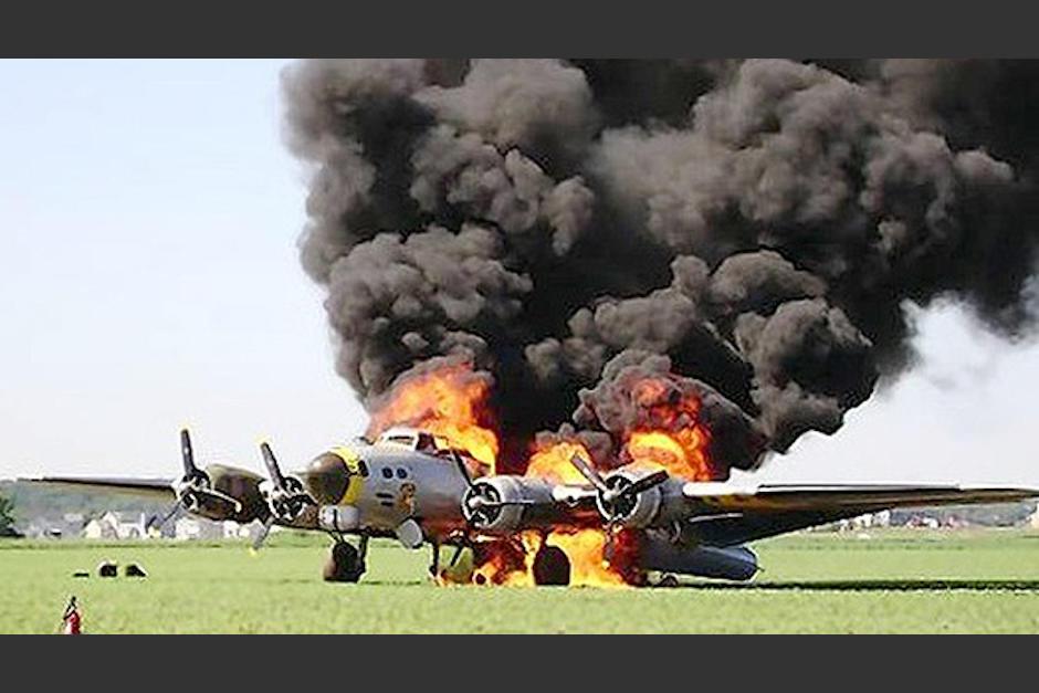 Avión de la II Guerra Mundial choca en aeropuerto de EU