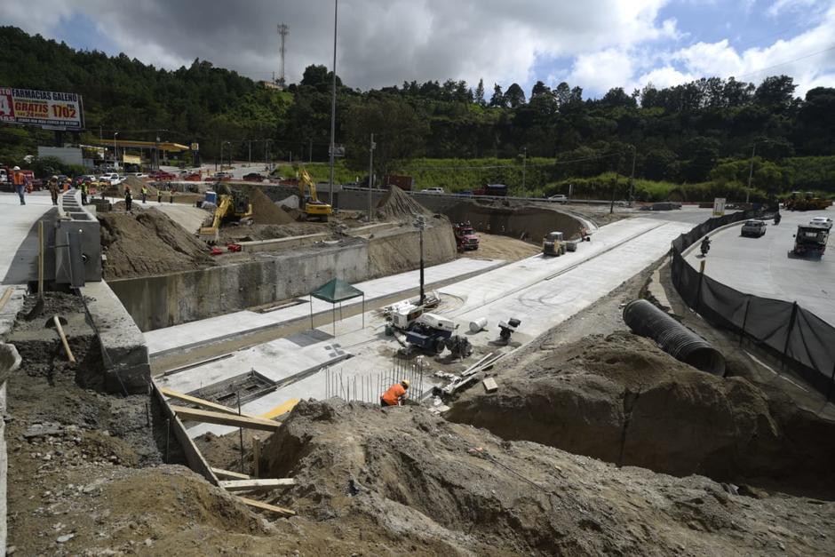 La época lluviosa generó algunas complicaciones durante la construcción de la obra. (Foto: Wilder López/Soy502)