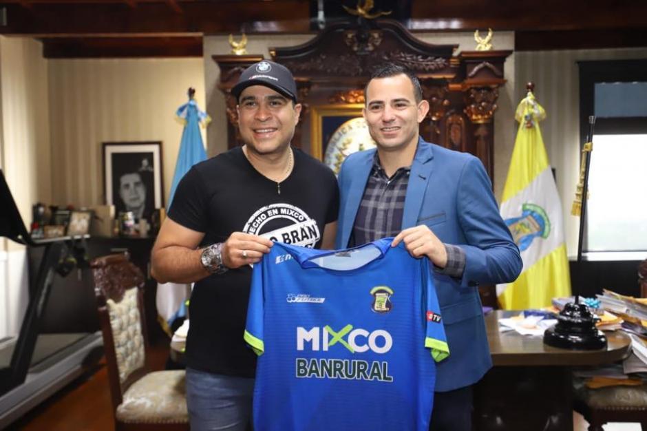 La Municipalidad de Mixco le paga 14 mil quetzales por partido a Marco Papa. (Foto: Neto Bran/Facebook)