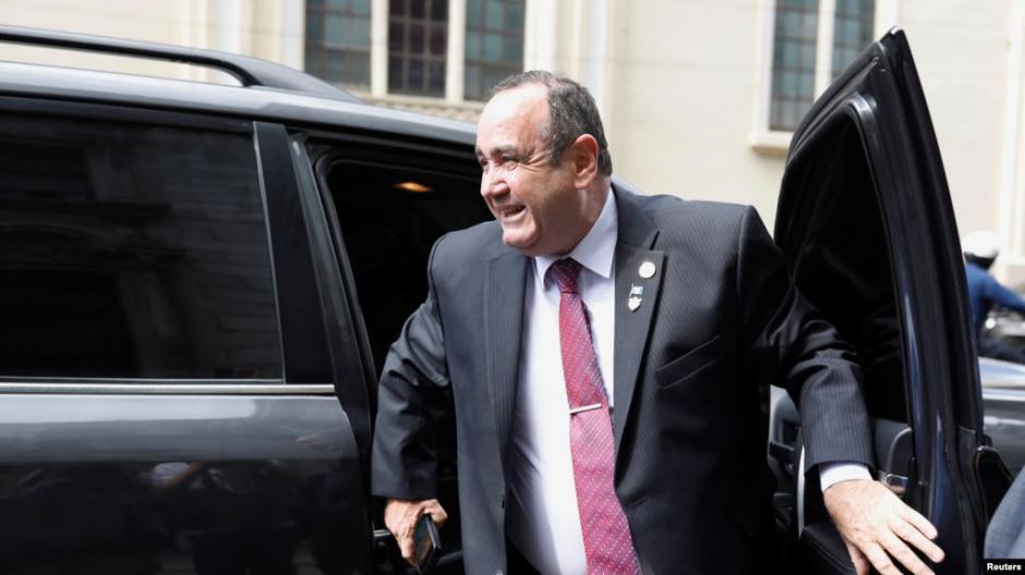 El presidente Electo Alejandro Giammattei se reunió con el secretario de Estado de EE.UU., Mike Pompeo. (Foto: La Voz de América)