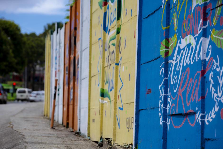 En varios puntos de la ciudad capital están expuestos los murales de Canta Guatemala. (Foto: George Rojas/Soy502)