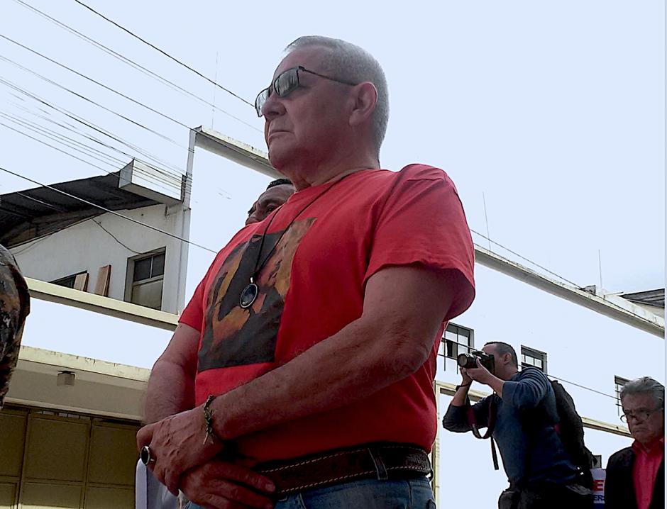 El excomandante guerrillero está siendo señalado de haber participado en el asesinato de tres soldados. (Foto: Facebook de César Macías)