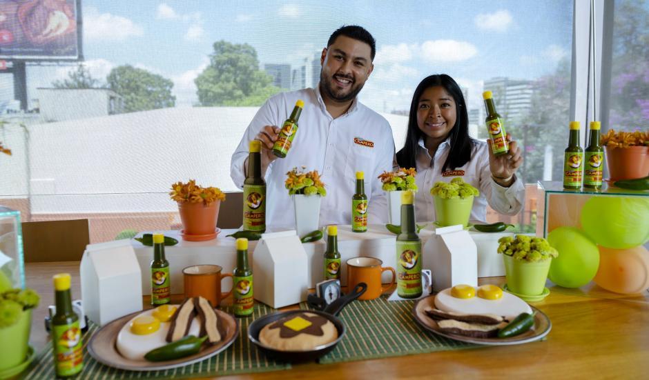 La Salsa Picante Campero se encuentra ya a la venta en supermercados y tiendas de todo el país. (Foto: George Rojas/Soy502)