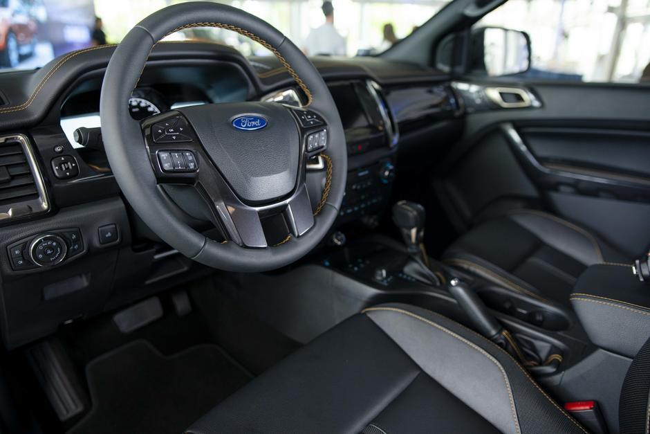 El interior además de traer innovaciones luce elegante y deportivo. (Foto: George Rojas/Soy502)