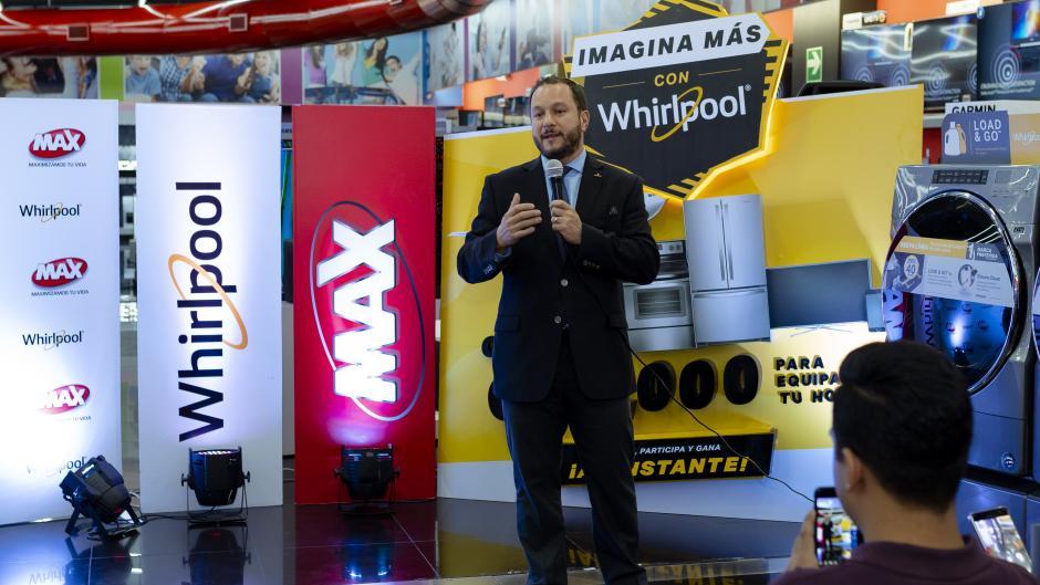 Martín Prera, director de mercadeo de Grupo Distelsa, presentó la nueva promoción de Tiendas Max. (Foto: George Rojas/Soy502)