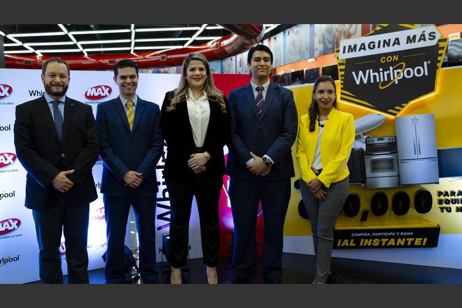 """Representantes de Grupo Distelsa y Tiendas Max presentaron """"Imagina más con Whirpool"""". (Foto: George Rojas/Soy502)"""