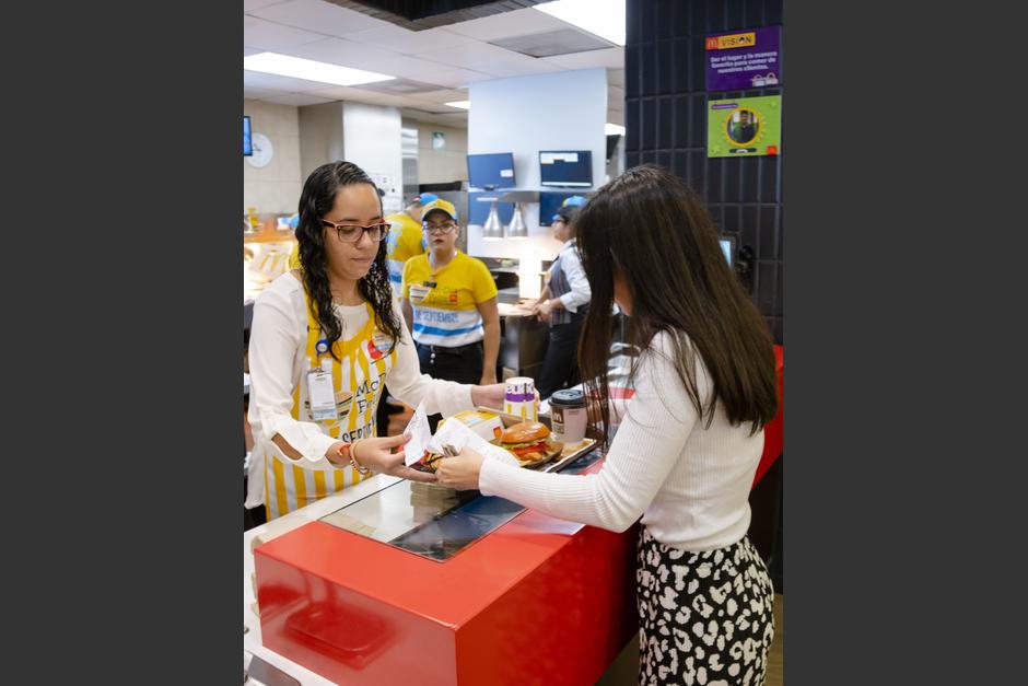 Hoy la compra de Big Mac cambia vidas. (Foto: George Rojas/Soy502)