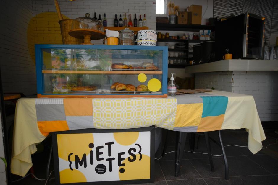 La panadería Miettes se ha tenido que diversificar para ofrecer otros productos. (Foto: Wilder López/Soy502)